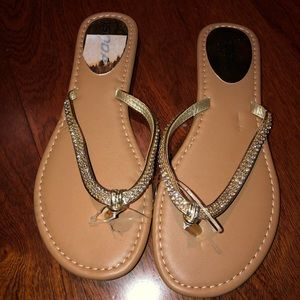 Soda gold sandals size 7